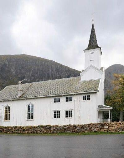 Kirkene Våre