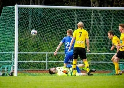 Fotball: Poengdeling mot topplaget